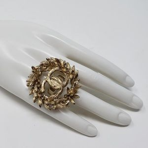 Chanel vintage CC gold & crystal ring